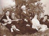 Гашек и театральная труппа Лонгена. 1914