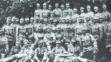 Гашек среди солдат 11 роты 91 полка перед отъездом на фронт. Чешские Будейовицы, 1915
