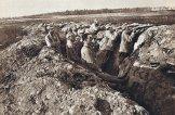 На фронте. С биноклем - Лукаш, Гашек без кепи, слева - Страшлипка, еще левее - Ванек. 1915.