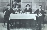 Гашек с друзьями. Прага, 1912