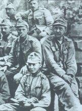 Гашек на фронте, 1915. Слева, с сигаретой во рту - Страшлипка