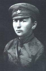 """Гашек - начальник типографии газеты """"Наш путь"""". Уфа, 1919"""